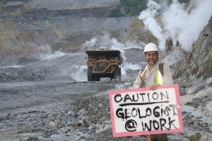 GC Lihir (caution geoligist at work) IMG_2759